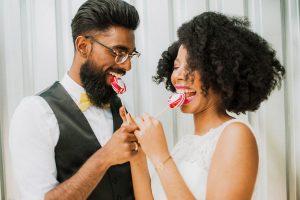 Kamellebuedchen Shop Hochzeit Hochzeitslutscher Brautpaar neu