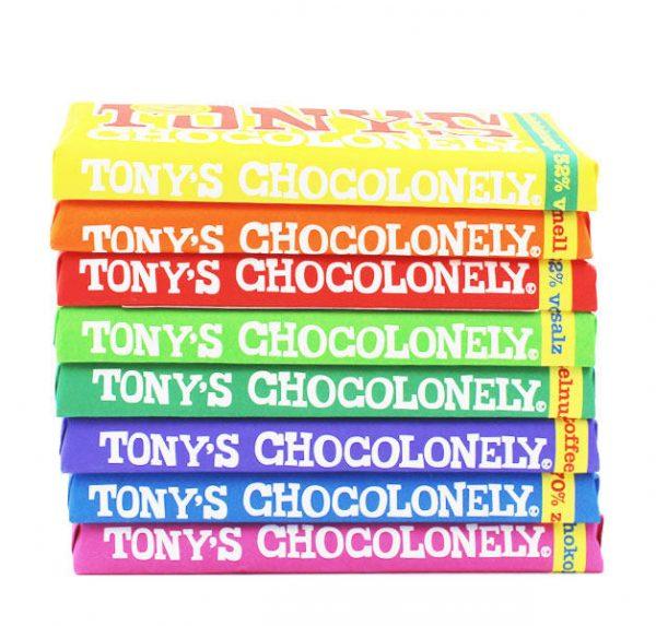 Kamellebuedchen Shop Lakritz Fudge Schokolade Tonys Chocolonley 8er Set geschlossen gestapelt