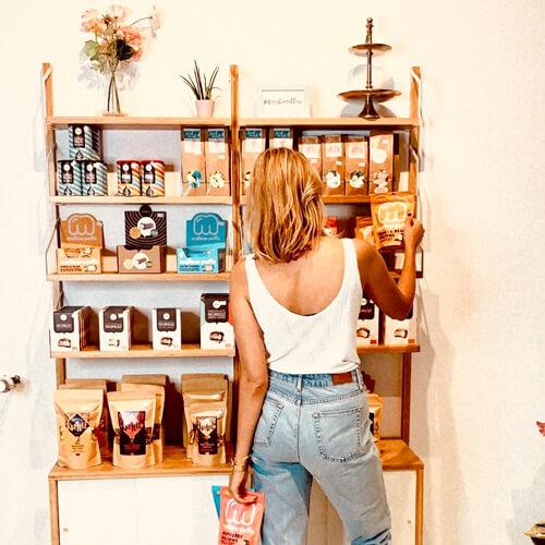 Kamellebuedchen-Shop_Ladenlokal_Regalansicht-1w