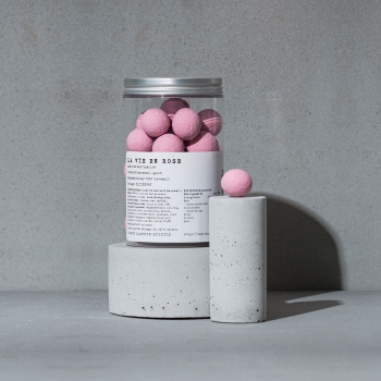 Kamellebuedchen Shop Lakritz Haupt La vie en rose Schokolade Himbeer Dose Szene