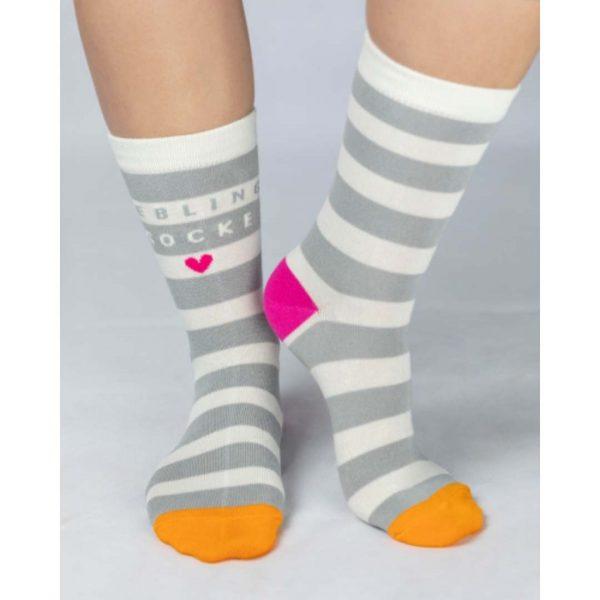 Kamellebuedchen Shop Textiles Grafik Werkstatt Socken Coole Socke Damen Tragebild