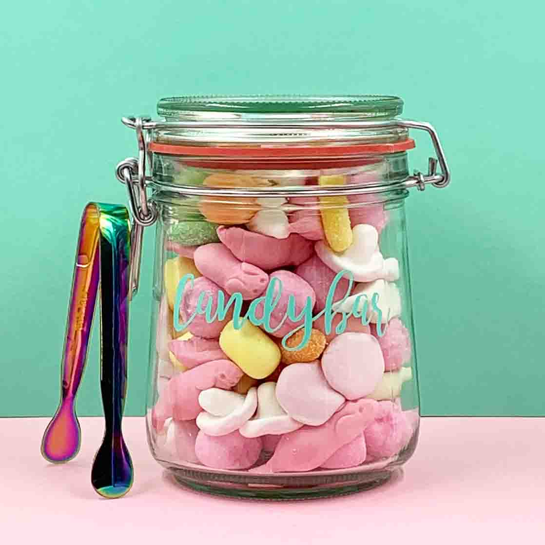 mini candybar süße Fruchtgummis mit zange