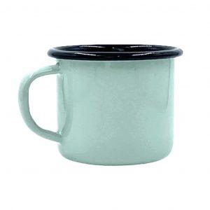 Emaille-Becher von Plain B.: Mintgrün